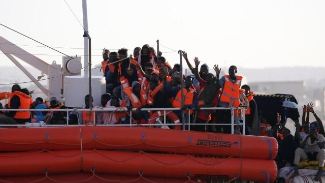 Испания измести Италия като държава, през която влизат най-много мигранти,