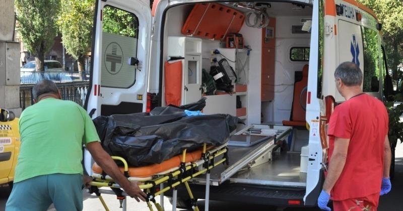 Мъж почина след скандал и побой пред магазин в Добрич