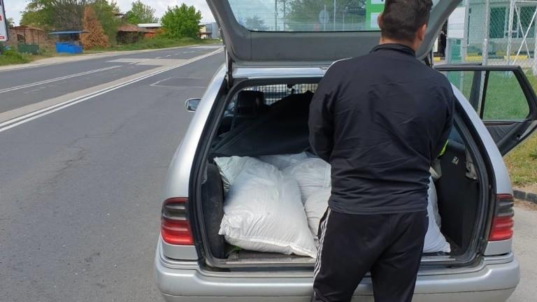Тикнаха зад решетките контрабандист от Бойчиновци, превозвал тютюн за над 3 бона
