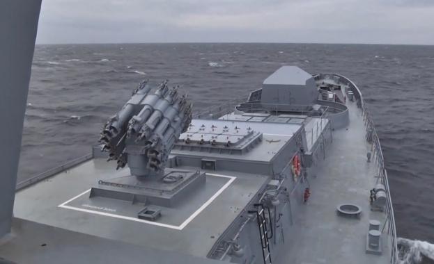 """Подводница """"Колпино"""" изстреля крилата ракета """"Калибър"""", съобщават ИТАР ТАСС и"""