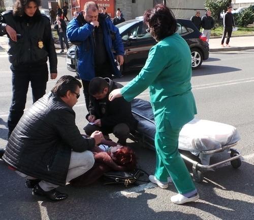 Мъж блъсна пешаходка във врачанско село и избяга, съобщиха от
