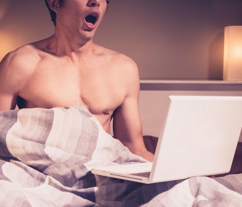 Как да реагирате, ако заварите мъжа си да мастурбира