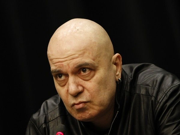 Слави Трифонов за първи път взе отношение по спекулациите и