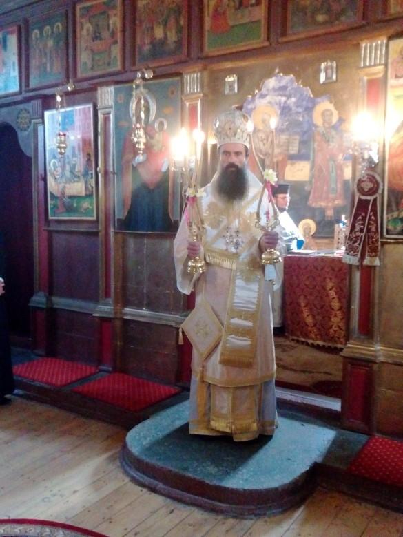 """Видинският митрополит Даниил отслужи света литургия в храма """"Рождество на"""