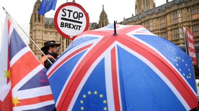Снимка: Недостиг на гориво, храни и лекарства заплашва Великобритания при брекзит без сделка