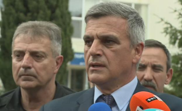 Премиерът Стефан Янев посети Лом във връзка с щетите от