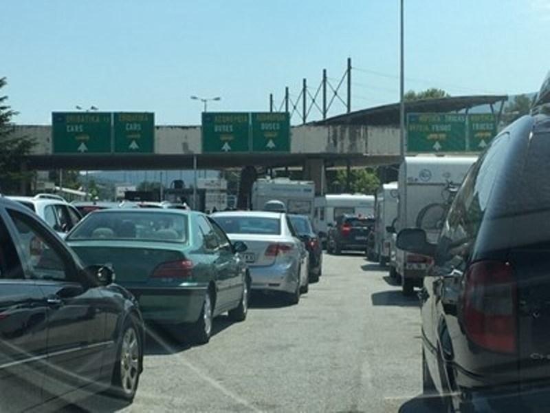 Гърция въвежда нови мерки за влизане на всички граждани през