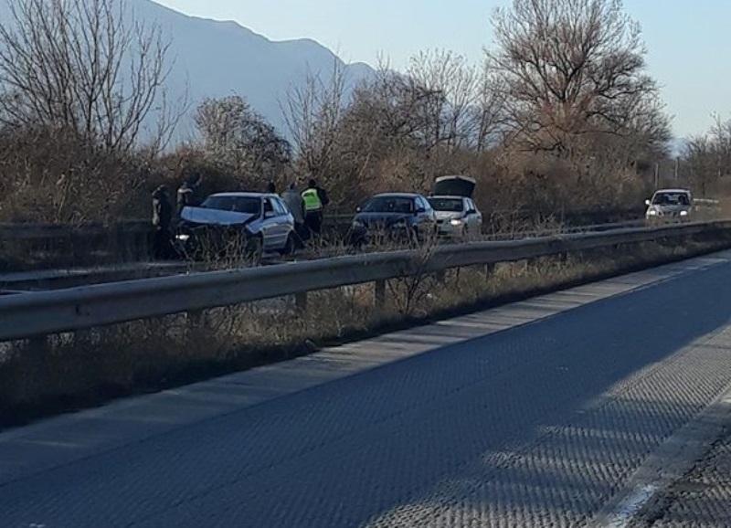 Пътен инцидент е станал преди минути на главен път Е-79
