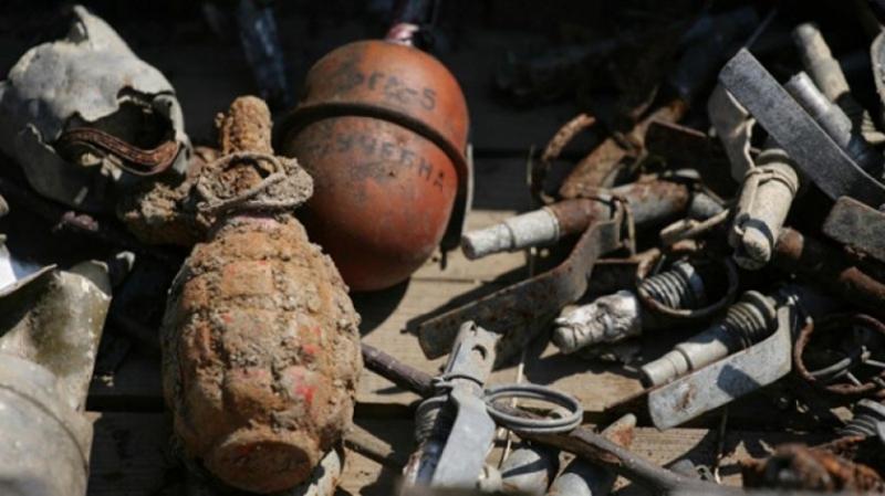 Униформени намериха взривни вещества в къща на баба от Долно Белотинци
