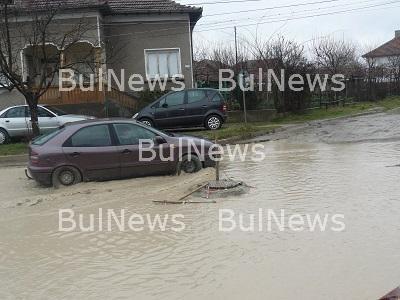 Довършват канализацията на козлодуйска улица с близо 700 хил. лева