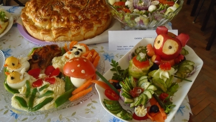 Снимка: Вкусна изложба подредиха в Ново село