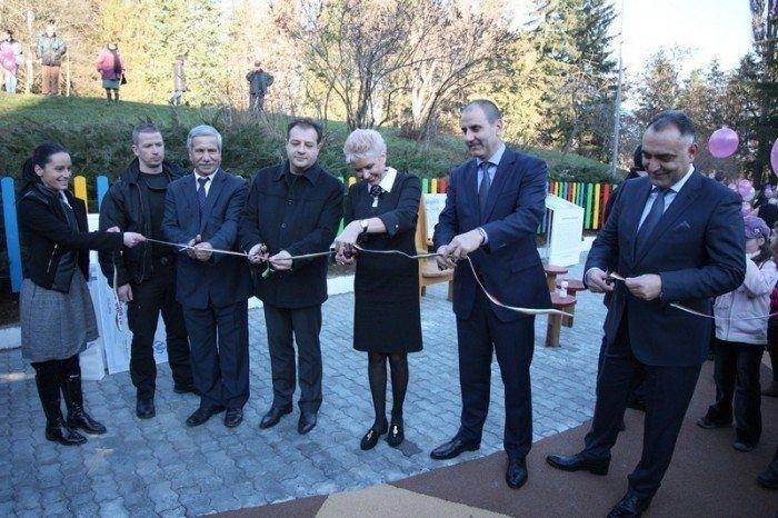 Зам.-председателят на ГЕРБ Цветан Цветанов предизвика иронични усмивки, след като