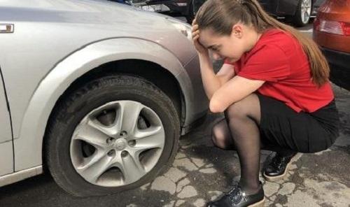Вандал е потрошил колата на видинчанка, съобщиха от областната дирекция