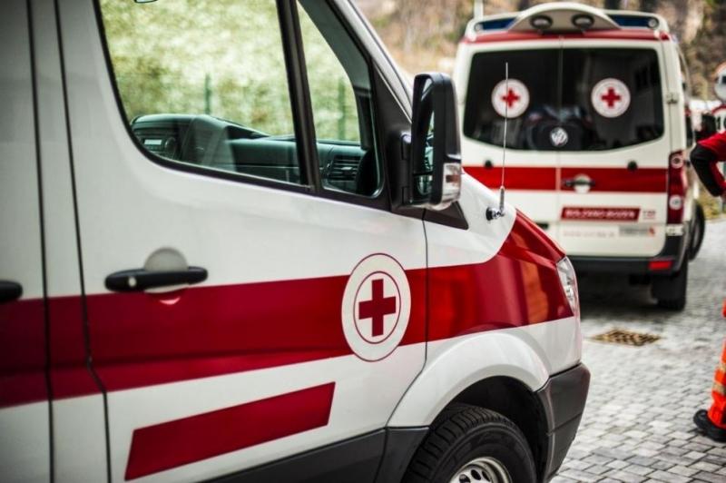 Трима братя нападнаха и бихаекип на Спешна помощ в Ихтиман,