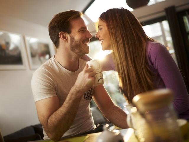Само за дами! 10 начина да покажете, че го обичате без реално да го казвате