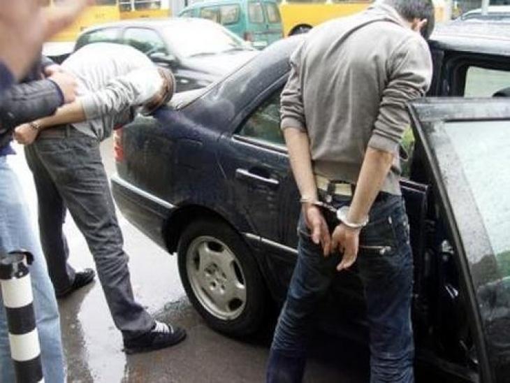Полицаите хванали вандали с наркотици след обиск на немски автомобил