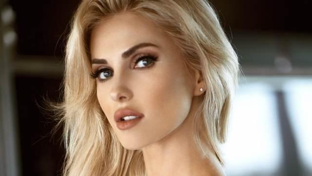 Моделка от Украйна издуха конкуренцията в Instagram, набира популярност с горещите си форми
