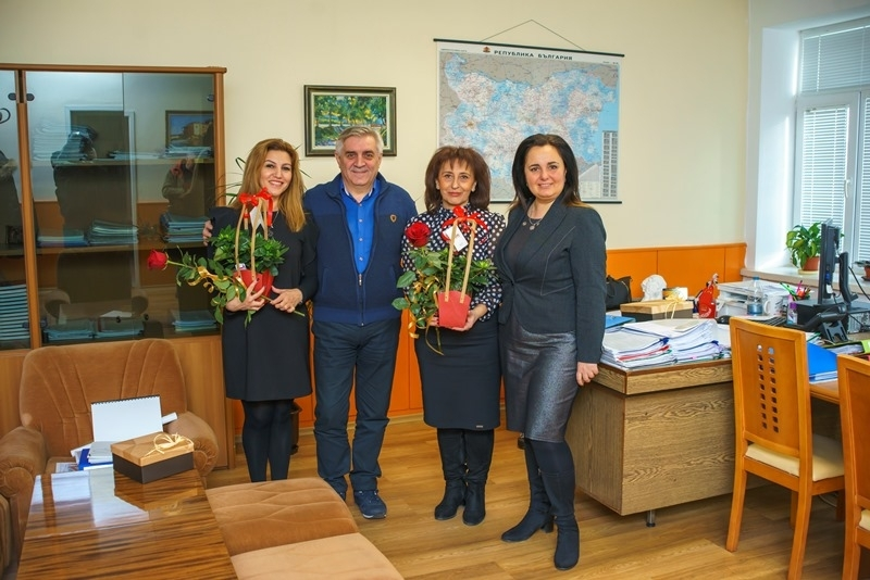 Кметът на Мездра Иван Аспарухов и председателят на Общинския съвет