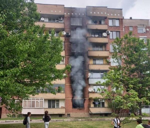 Късо съединение е вероятната причина за пожара в апартамента в