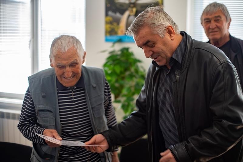 Кметът на Мездра и Съюзът на ветераните от войните уважиха единствените двама останали живи фронтоваци от общината