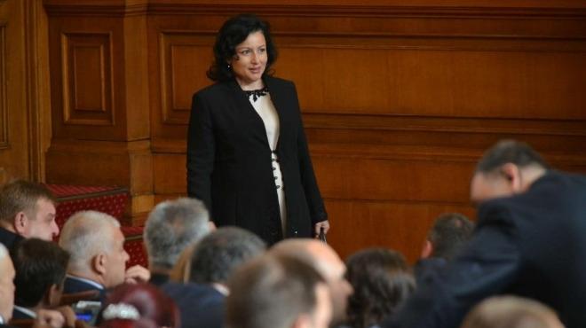 Десислава Танева положи клетва като нов земеделски министър