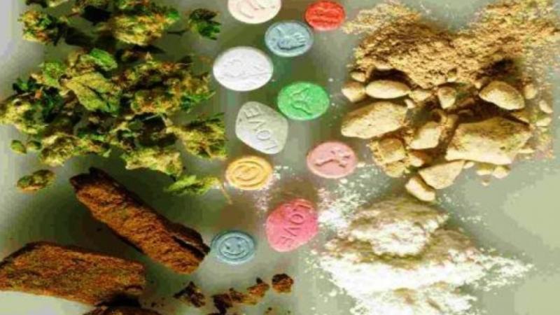 Служители на реда са намерили голямо количество наркотици от различен