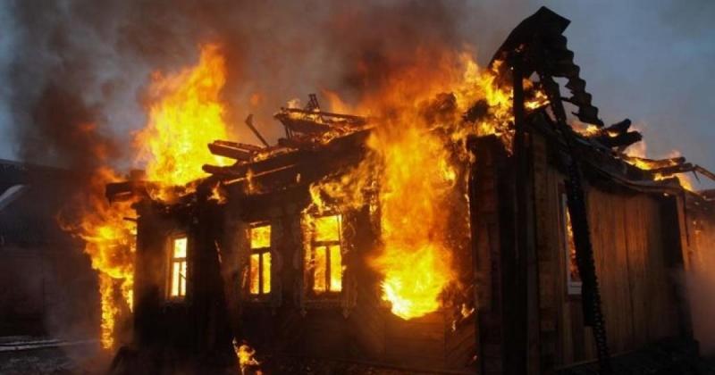 Пожар изпепели къща в монтанско село, съобщиха от МВР. Инцидентът