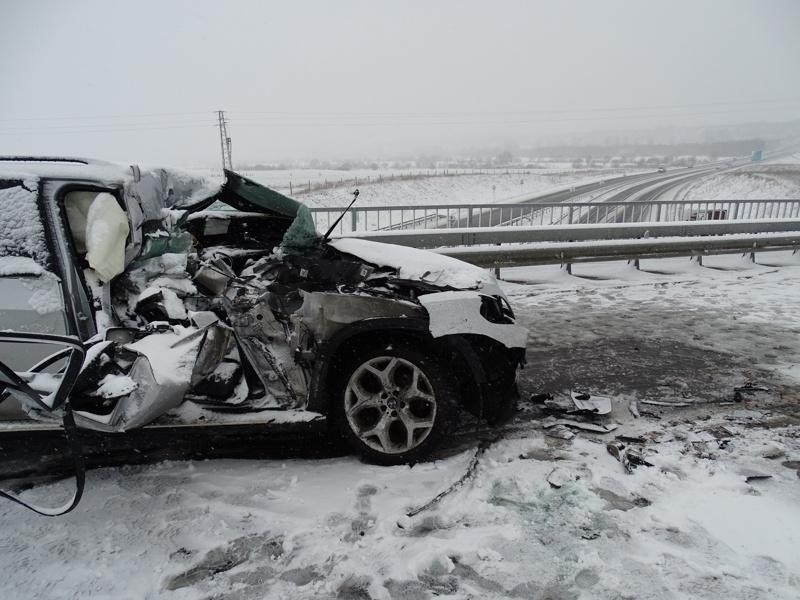 Мъж е пострадал, след като е катастрофирал на магистрала Тракия,