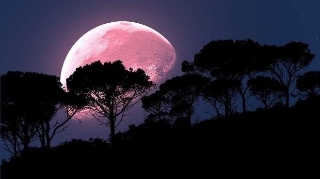 Звездобройците по света могат да се насладят на астрономическо явление