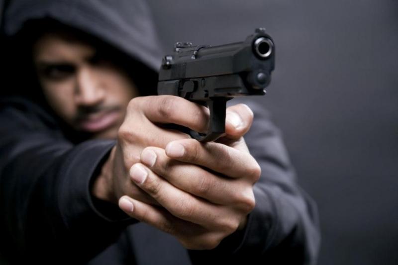 22-годишен мъж отправял закани за убийство към жена, насочил към