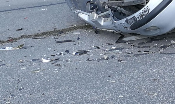 18-годишен младеж е загинал, а четирима са пострадали при катастрофа