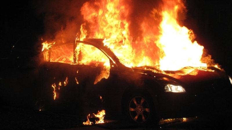 Лек автомобил е бил запален в Монтана, съобщиха от полицията
