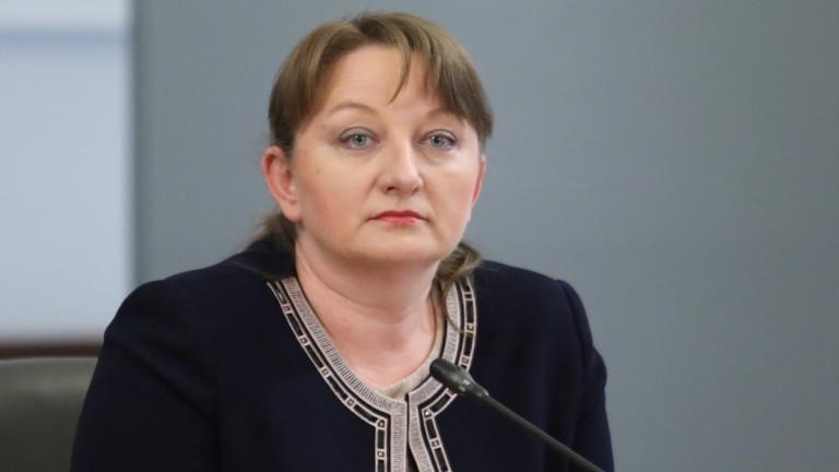 Министърът на труда и социалната политика Деница Сачева издаде заповед,