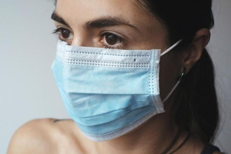 В Словения от днес е задължително носенето на маски и