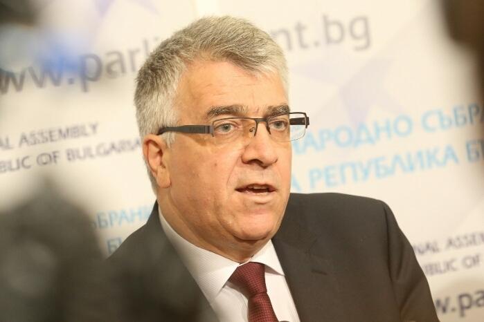 Румен Гечев: Как властта за 3 дни изхарчи 3.5 милиарда?!