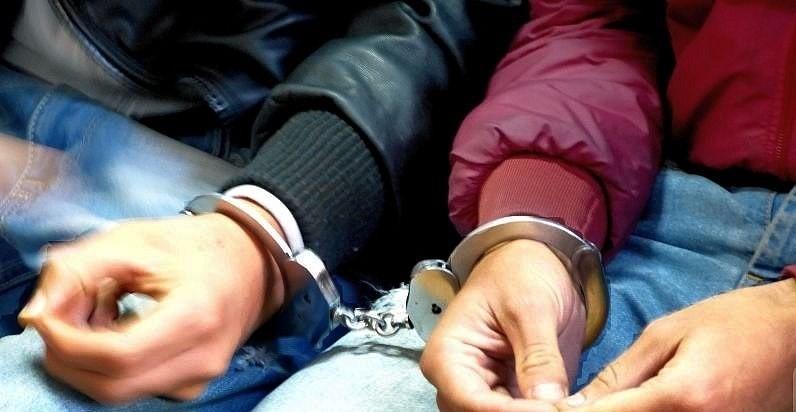 Майка и син нападнали и ограбили жена в село Моравица,