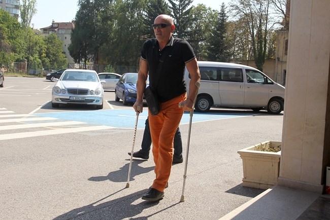 Лъжливото овчарче! Ценко Чоков иска да се лекува в Турция, съдът не го пуска