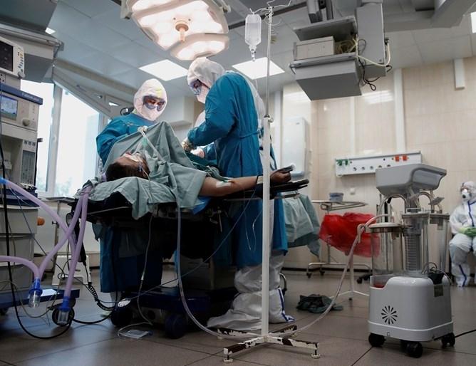 Печален рекорд: Над 4000 стахана починалите от COVID-19 в Русия