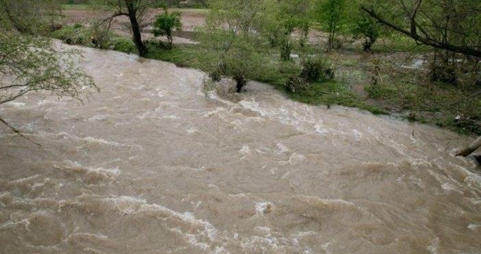 Микробус с мигранти падна в река Купа в Хърватия, при