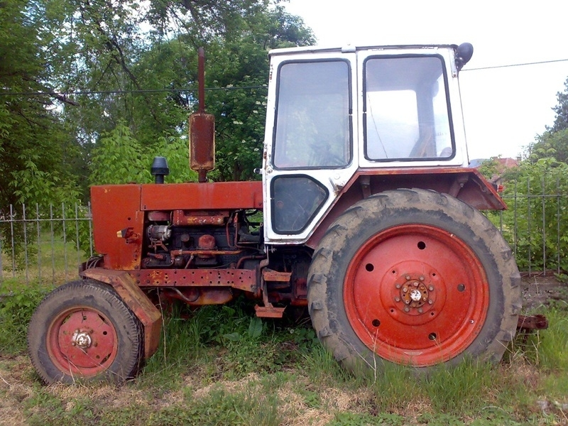 Хванаха мъж без книжка да юрка нередовен трактор във Вършец