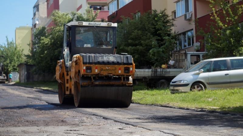 Три улици в Мездра са с нов асфалт