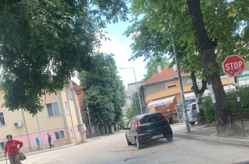 Неправилното паркиране във Видин отдавна се превърна в обичайна гледка.