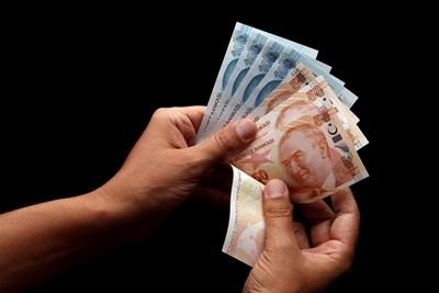 Високите курсове на долара и еврото на турските финансови пазари