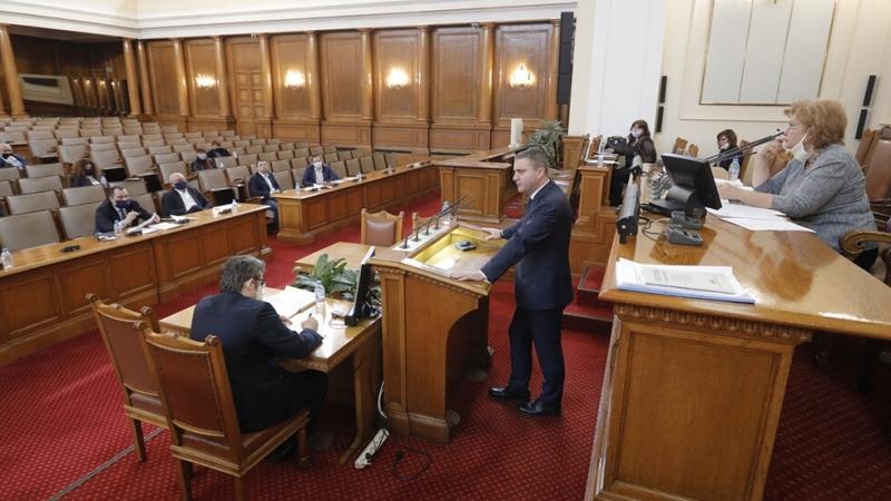 Парламентът гласува на първо четене промените в закона за ДДС,