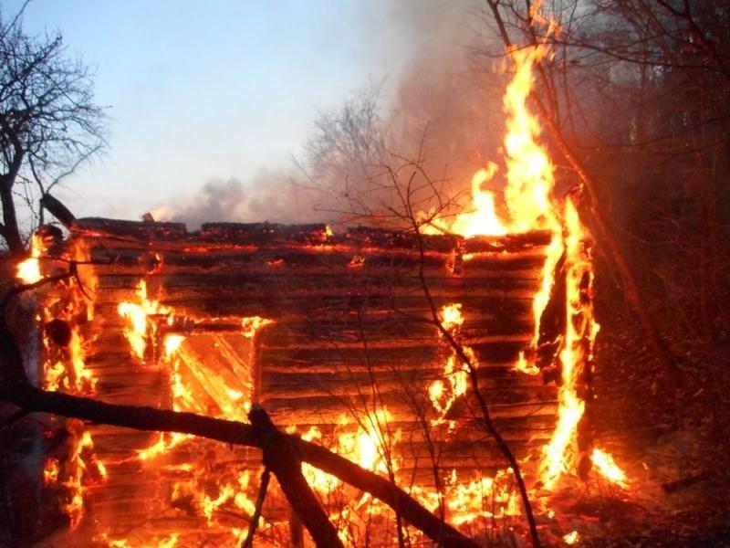 Пожар унищожил 40 бали сено и домашни животни в село