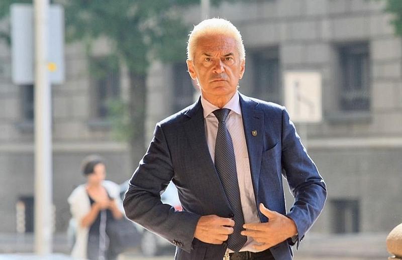 Волен Сидеров: Не мога да повярвам, че слагат вила на врата на народа и той не се надига