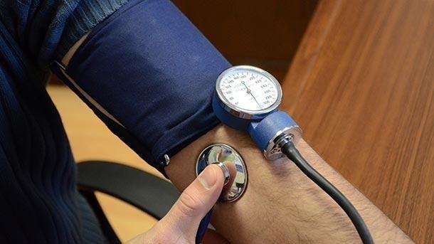 В понеделник желаещите да измерят кръвното си налягане и кръвната