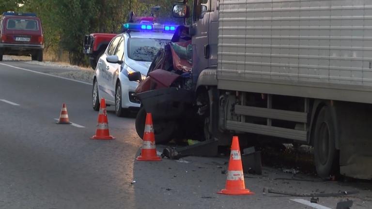Шофьор е загинал при катастрофа на пътя между Попово и