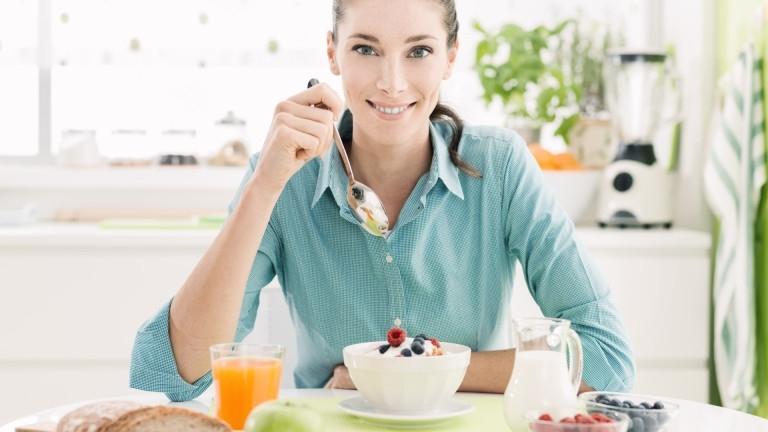 Мантрата, че закуската е най-важното хранене (и никога не трябва