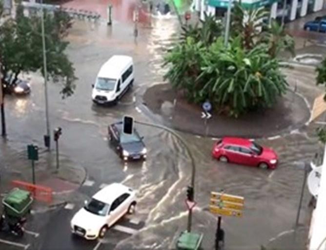 Заради поройните дъждове държавната метеорологична служба на Испания обяви днес,
